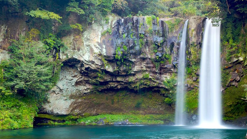 37 Cheonjiyeon Waterfall