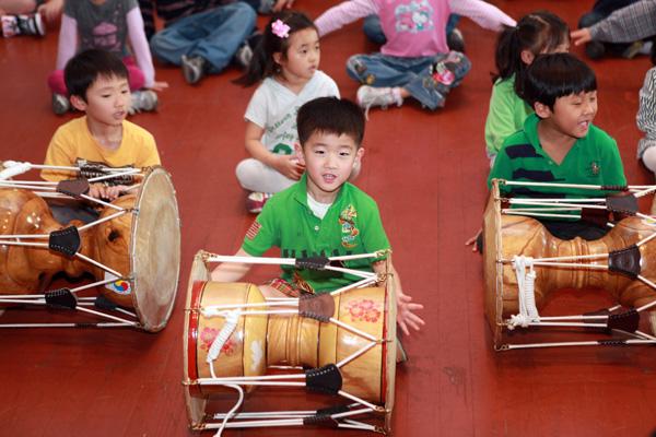 05_05_2013-KoreankidsCincodeMayo