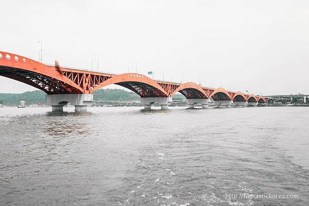 Han River Cruise_Bridges of Han River_Seongsan Bridge01