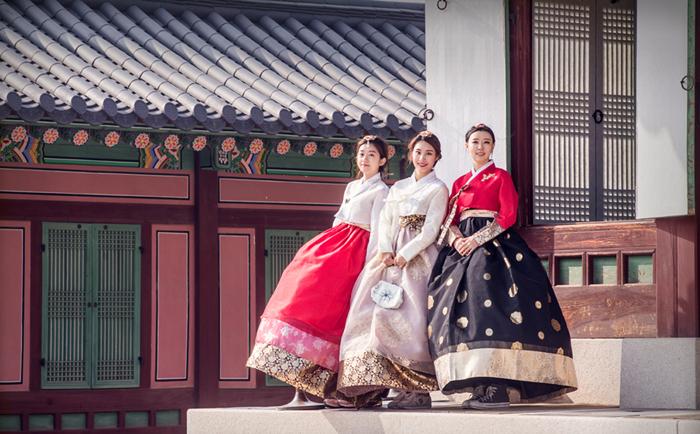 Hanbok_Rental_Autumn_Gyeongbokgung