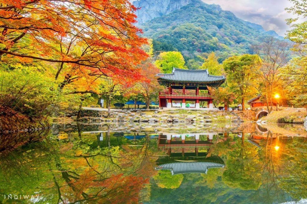Naejangsa(Naejang Temple) with the spectacular view of the temple surrounded on all sides by towering peaks