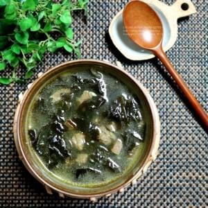 """""""Why Korean people eat 'Seaweed soup' on their Birthday?"""""""